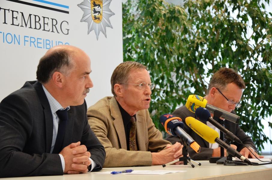 Pressekonferenz zum Mord in Rieselfeld