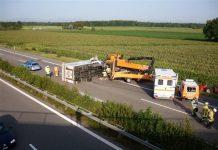 Polizeibericht, LKW ,Unfall,20.8.2012, A5