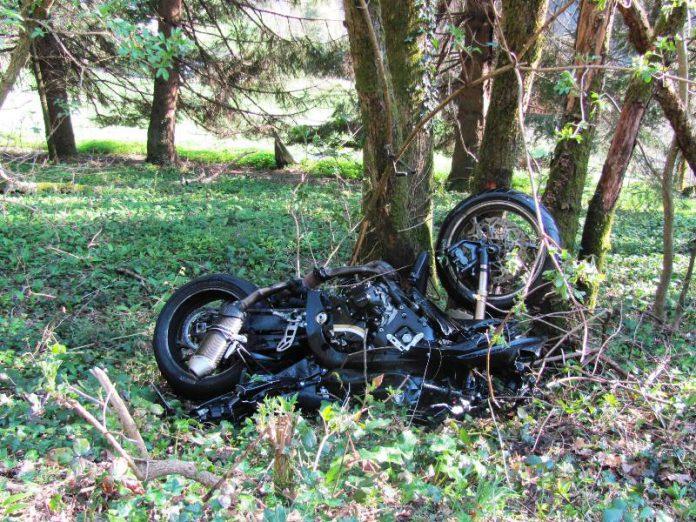 Motorradunfall Obersimonswald L173, der Motorradfahrer wurde schwer verletzt