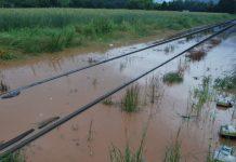 hochwasser waldkirch gleise unetspült